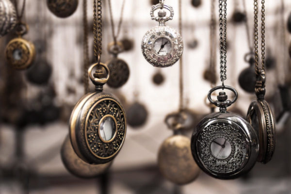 Wrist Watch Online Shopping And Their Journey From a Timepiece to a Fashion Accessory